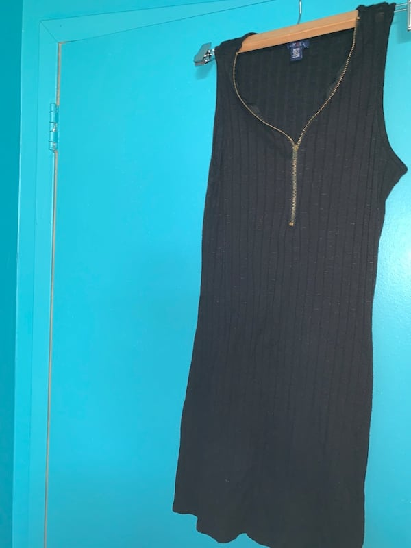 BLACK ZIP UP TANK TOP c3d6e931-4a80-4691-be16-c570af432627