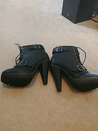 Ladies ankle boots Calgary, T3K 3B7