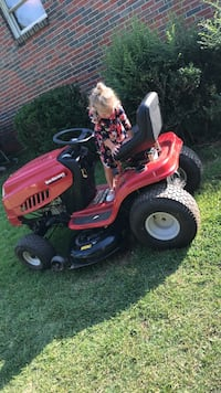 need to sell  asap, riding lawnmower . Needs new carborator , works well!a Woodland, 36280