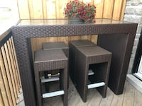 Beautiful patio set , table with 6 stools Richmond Hill, L4C