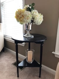 black wooden side table with white ceramic vase Chantilly, 20151