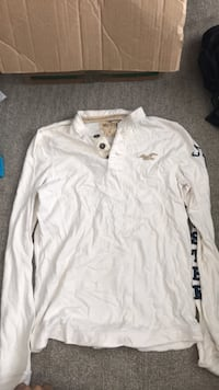 Hollister XL long sleeve shirt Coquitlam, V3J 1W4