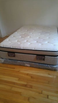white and gray floral mattress Laval, H7E 3N3