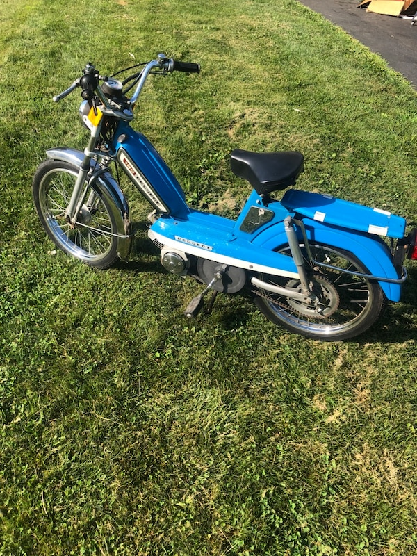 Peugeot 103 moped scooter 49cc 2 stroke