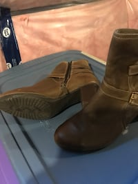 pair of black leather boots Innisfil