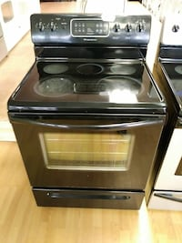 Black Frigidaire Glass Top Stove/Oven Woodbridge, 22191
