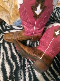 Ariat lady boots size 8