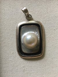 Pearl Pendant in Sterling Silver