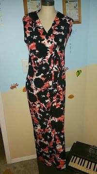 women's black, red, and white floral maxi dress