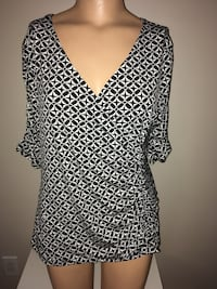 Style&Co Crossover Shirt Women Size Medium New without Tag Montréal, H4G 1M2