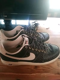 pair of black-and-white Nike sneakers Gulfport, 39503