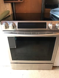 Samsung Stainless steel cooktop electric range oven. Samsung Appliance NE58K9430S Alexandria, 22304