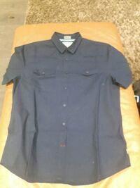 Men's navy blue Guess shirt lrg Toronto, M9C 4K9