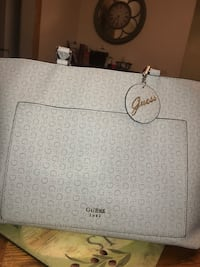 Guess Purse Windsor, N8T 1Y1