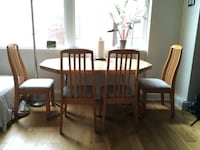 Dining table with 4 dining chairs New Orleans
