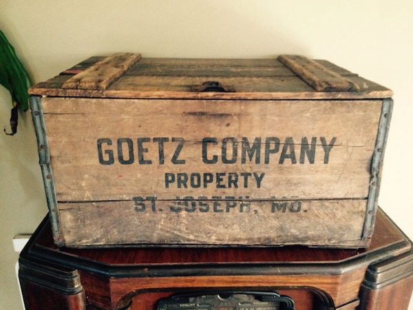 Old Wooden Goetz Beer Box St Joseph Mo This Vintage Wooden Crate Is Pre Prohibition And Rare Its In Very Good Shape And Quite Collectable This Is