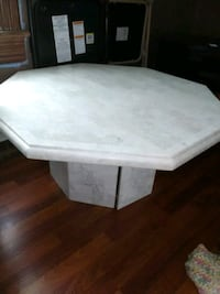 Coffee and end table Moline, 61265