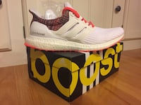 Mi Adidas Ultra Boost Rainbow sz 9  Mc Lean, 22102