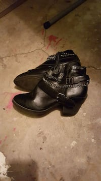 pair of black leather shoes Akron, 44301