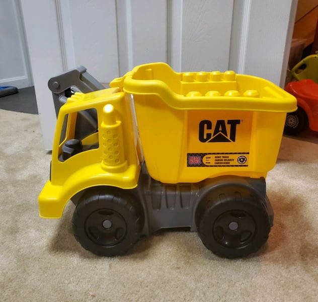 Mega Bloks Wagon and Dump Truck 3