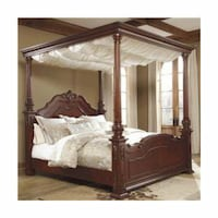 4 post canopy bed queen  Commerce Township, 48382