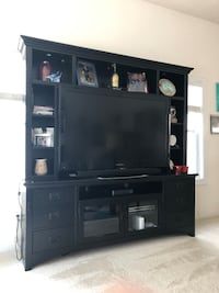Like new entertainment center Virginia Beach, 23451