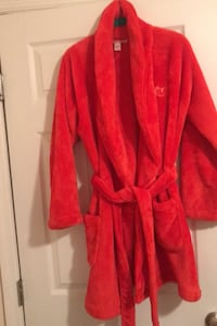 Victoria Secret Robe xs/s that says Love and new never worn