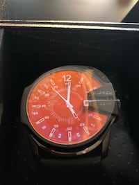 round black and red chronograph watch with black leather strap Toronto, M2J