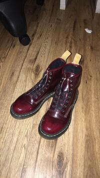 SIZE 6 Red Vegan Leather Doc Martens Mississauga, L5N 7Y6