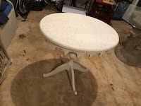round white wooden pedestal table Aldie, 20105