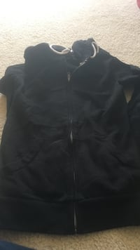 Black hoodie zip up jackets size xs Reston, 20191