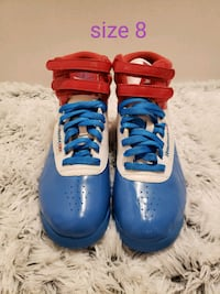 Red, white, and blue Reebok Classic size 8 Winchester, 22601