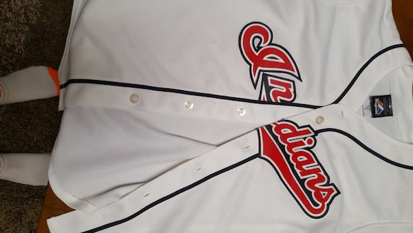 c0ddedb7ead18b Used Indians yourth size m for sale in Solon - letgo