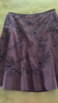 Lined skirt size 10, A-line style, very good condition, hardly worn. Glassboro, 08028