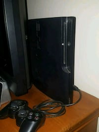 PS3, 2 Controllers, Plus Games London, N6H 0J9