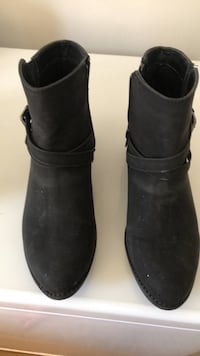 Black ankle boots 8.5