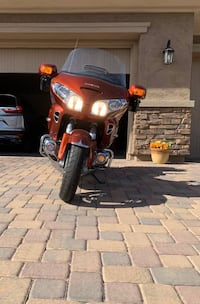 This a very clean and well maintained Goldwing GLE Deluxe. 52K miles.
