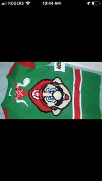 Green and red Mario Xmas sweater boys size 6 Montréal, H8R 2M8