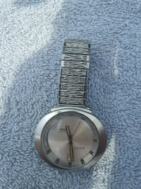round silver analog watch with link bracelet Toronto, M6A