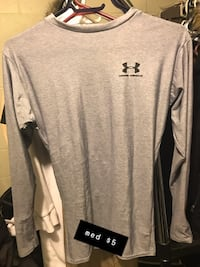 gray Under Armour crew neck shirt Halifax, B3K 1C7