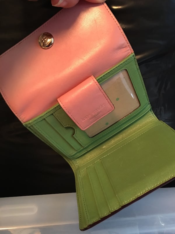Kate Spade wallet pink and green 54edaf1d-84b2-423f-a08f-0a236000a95b