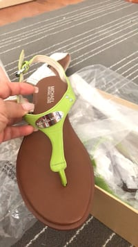 unpaired black and green leather sandal Stafford, 22556