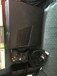 250gb XBOX 360,games and wireless controller