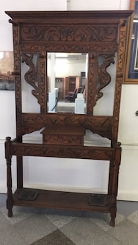 Beautiful Hand Carved Entry Piece Rayne, 70578
