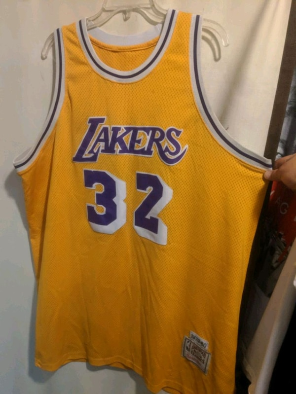 check out dca51 16035 VINTAGE Lakers #32 MAGIC JOHNSON JERSEY 1979-80