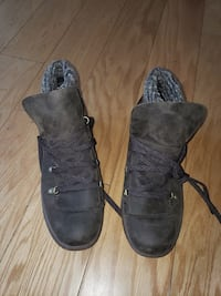 BRAND NEW. MERRELL Performance Wear Earth Colored  Chicago, 60613