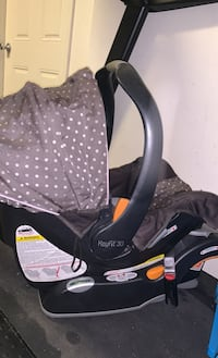 Infant Carseat and base chicco keyfit 30 Stafford, 22556