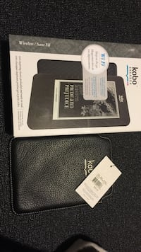 Brand New Kobo E-Reader With Leather Case