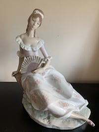 Lladro figurine - Lady with a fan