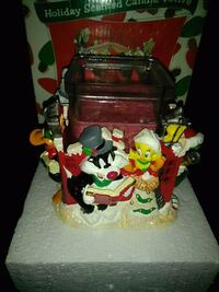 Looney tunes candle holder Greenfield, 53221
